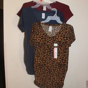 Bundle of 3 Time and Tru Maternity Tops Sz Small